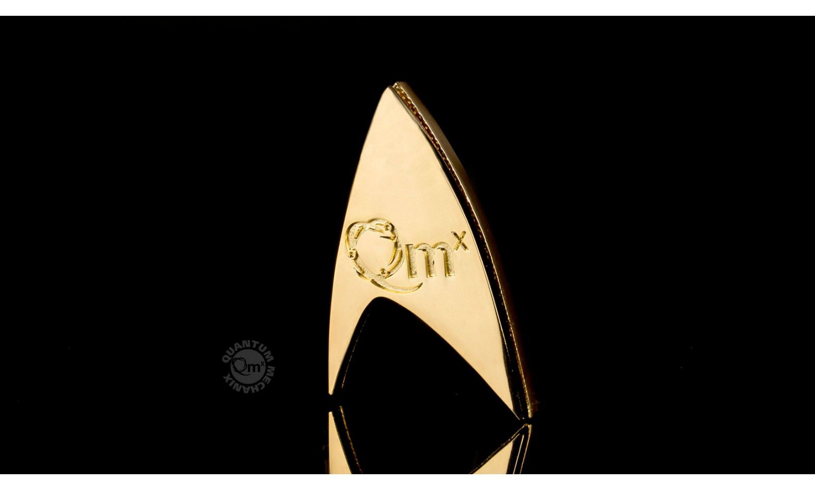 star trek r plique 1 1 badge magn tique starfleet 50 me anniversaire cosplay accessoire film. Black Bedroom Furniture Sets. Home Design Ideas
