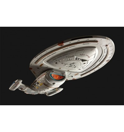 Star Trek Voyager - Model Kit U.S.S. Voyager - 51 cm